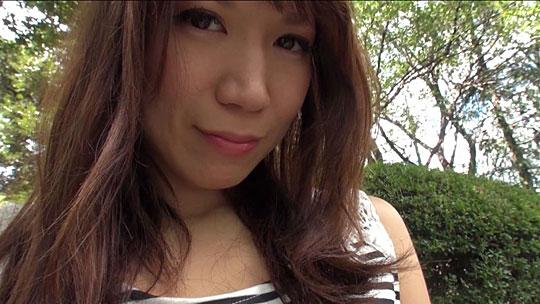 公園で戸塚真弓と待ち合わせしてインタビュー